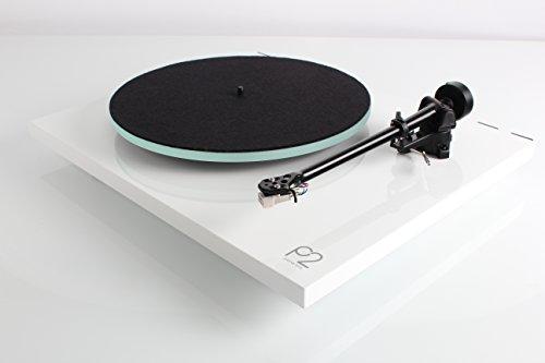 Rega Planar 2 (Modell 2016, aktuellste Version) High End Plattenspieler inkl. Rega Carbon MM-Tonabnehmer, weiß