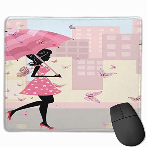 Niedliches Gaming-Mauspad, Schreibtisch-Mauspad, kleine Mauspads für Laptop-Computer, Mausmatten-Frühlingsmädchen mit Blumenkleid, das in der Stadt mit pastellfarbener Regenschirm-Rosa-Creme und Schwa