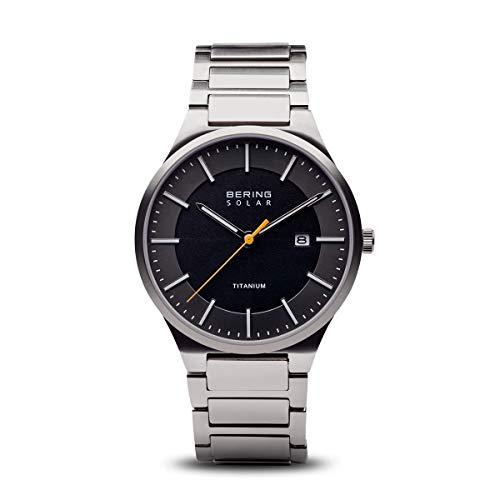 BERING Herren Analog Quarz Solar Collection Armbanduhr mit Titan Armband und Saphirglas 15239-779